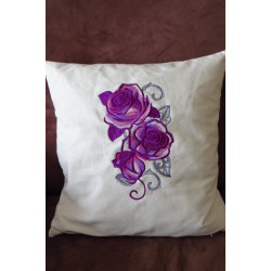 """Coussin brodé """"Roses"""""""